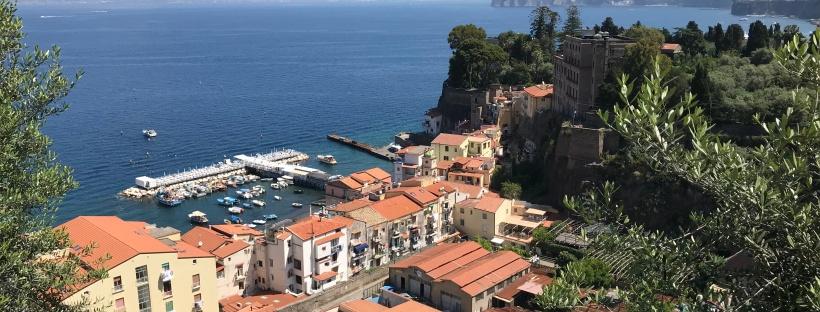 La Cote Amalfitaine En Visite Express HOKAlm Travel Fashion CrossFit